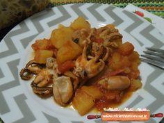 Polpo con patate e pomodori, la ricetta per preparare facilmente un gustoso secondo piatto a base di pesce!