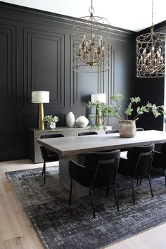 8 Black Dining Room Ideas That Prove Bold Color Is the Best Way to Set the Mood Dining Room Decor Black Bold color Dining Ideas mood Prove Room Set Contemporary Dining Room Sets, Elegant Dining Room, Luxury Dining Room, Modern Dinning Room Ideas, Dark Grey Dining Room, Modern Contemporary, Modern Asian, Contemporary Kitchens, Contemporary Bedroom