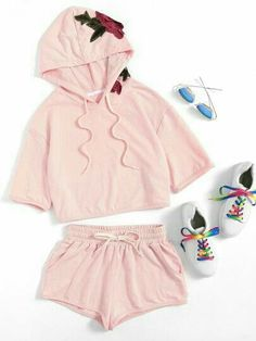 Online shopping for Flower Applique Hoodie & Shorts Set from a great selection of women's fashion clothing & more at MakeMeChic. Chill Outfits, Cute Girl Outfits, Teen Fashion Outfits, Tween Fashion, Outfits For Teens, Girl Fashion, Casual Outfits, Summer Outfits, Womens Fashion