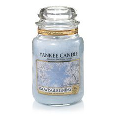 Winter Wonderland© Collection (Snow is Glistening©) : Large Jar Candles : Yankee Candle : A pretty, powdery scent of fluffy, velvety smooth snow gently kissed by sunlight makes this holiday fragrance fresh, clean and glistening. A hint of lemon and orange give it zest, just like a frosty winter day.