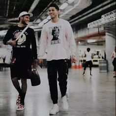 Indie Fashion Men, Nba Fashion, Hip Hop Fashion, Gorgeous Black Men, Pretty Men, Nba Players, Basketball Players, One Last Dance, Devin Booker
