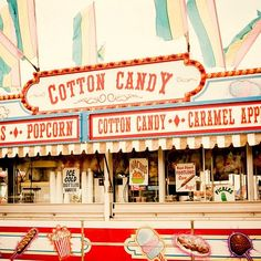 We love the old school signage on this. Perfect for a vintage funfair themed event