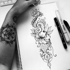 ▷ Flower Ideas Tattoo designs and their meanings .- ▷ 1001 + Ideen für Blumen Tattoo Designs und ihre Bedeutungen drawing of tattoo tendril, a hand with tattoos, which have tattoos, ideas - Trendy Tattoos, Small Tattoos, Tattoos For Women, Tattoo Drawings, Body Art Tattoos, Sketch Tattoo, Tatoos, Male Hand Tattoos, Tattoo Female