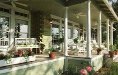 Nice summer porch!