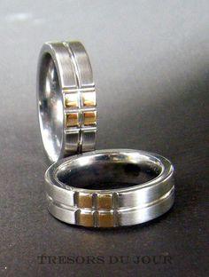 Unique WEDDING RING SET in White and Yellow Gold by TresorsDuJour #UniqueWeddingRings #ModernWeddingRings #UniqueWeddingRingSet