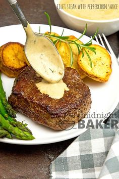Filet steak or filet mignon is a real treat that's made even classier with a delicious peppercorn sauce. This is a perfect date night dinner. Whole Beef Tenderloin, Beef Tenderloin Recipes, Steak Recipes, Sauce Recipes, Cooking Recipes, Date Night Recipes, Dinner Recipes, Filet Mignon Sauce, Filet Steak