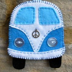 Rainbow Campervans - Slightly Sheepish - Make yourself a felt Campervan Decoration You are in the right place about creative crafts Here we - Felt Crafts Diy, Fabric Crafts, Sewing Crafts, Sewing Projects, Felt Projects, Sewing Toys, Jar Crafts, Bottle Crafts, Crochet Projects