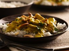 Curry Chicken- Indian-style dinner in 25 minutes! Check out this classic chicken and rice curry dish made using Progresso™ Recipe Starters™ cooking sauce