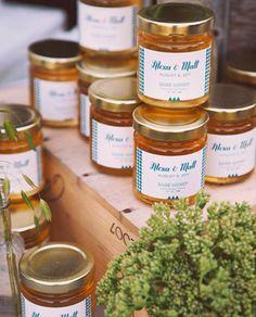 Custom labeled sage honey jars as wedding favors. Jam Wedding Favors, Unique Wedding Favors, Wedding Desserts, Gifts For Wedding Party, Wedding Ideas, Wedding 2015, Wedding Themes, Wedding Details, Dream Wedding