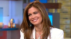 Former Sports Illustrated cover model now gets front page of Forbes magazine. Sports Illustrated Covers, Kathy Ireland, Cover Model, Abc News, Famous Faces, Face And Body, Business Women, Supermodels, Poses