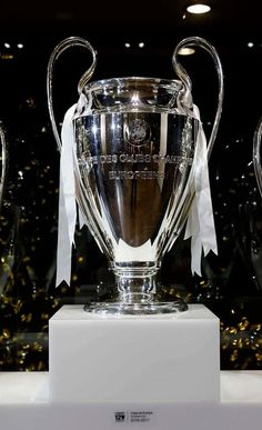 The European Cup Football Daily, British Football, Real Madrid Football, Best Football Team, Manchester United Football, Liverpool Football Club, European Football, Football Icon, Black Dodge Charger