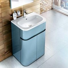Aqua Cabinets D450 Gull Wing Cabinet with Basin 600mm