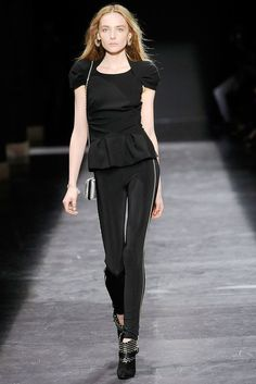 Isabel Marant Fall 2009 Ready-to-Wear Fashion Show - Snejana Onopka
