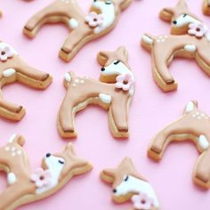 It looks like the weather is FINALLY warming up on the east coast and we couldn't be happier. So we will leave you with this cute deer tutorial by @ardycakes ☀️ Link in profile [CookieCutterKingdom Deer Cookie Cutter] #cookiecutterkingdom