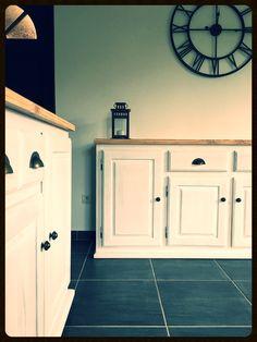 Chic et authentique! Patine blanche effet cerusé Blanc, plateau bois brut vernis mat...