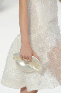 Chanel Spring 2012 - Details (Conch shell)