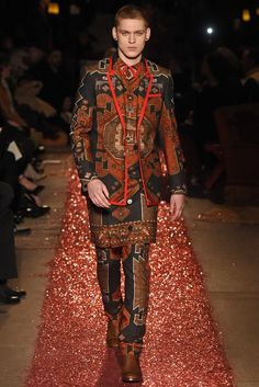 LOOK   2015-16 FW PARIS MEN'S COLLECTION   GIVENCHY BY RICCARDO TISCI   COLLECTION   WWD JAPAN.COM
