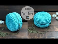 Here's a unique little crochet circle purse design for you guys. It works best with t shirt yarn, which seems to be getting very popular. Measurements: About 8 inches wide by 8 inches length with a diameter of 22 inches For free written pattern on my Diy Crochet Bag, Crochet Bag Tutorials, Crochet Backpack, Crochet Clutch, Crochet Handbags, Crochet Purses, Crochet Patterns, Tutorial Crochet, Diy Bags Tutorial