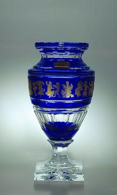 VSL - Vase Jupiter Danse de Flore, cristal clair, doublé bleu royal et décoré à l'or.