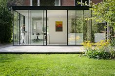 Container Home Designs, Garden Room Extensions, House Extensions, Modern Small House Design, Sliding Screen Doors, House Extension Design, Garden Architecture, Terrace Garden, Glass House