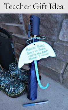 Teacher Gift Idea: Umbrella with Simple Appreciation Poem #BICMerryMarking #MistyBlue #ad #teachergifts