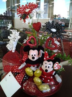 VALENTINE...BE MINE...... Mickey and Minnie!! Cindy 2717