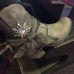 Not rated boots Grey shirt booties with boot bracelets bling and lace. Not rated Shoes Heeled Boots Mud Boots, Snow Boots, Shoes Heels Boots, Heeled Boots, Bootie Boots, Cute Shoes, Me Too Shoes, Not Rated Boots, Riding Boots