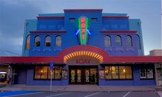 The Roxy (formerly the Capitol) was built in 1928 in Wellington, New Zealand. Now looking amazing in this retro colour scheme.