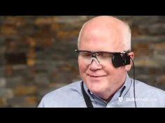 شاهد بالفيديو .. رجل أعمى يرى زوجته لأول مرة بعد 30 عاما