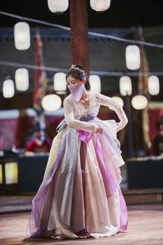 Love In The Moonlight - This is when Eunuch Hong Sanmon help the Crown Prince