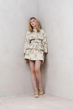 Sfilata Alexander McQueen Milano - Pre-collezioni Primavera Estate 2014 - Vogue