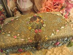 Ribbon Work, Lace Ribbon, Ribbon Embroidery, Embroidery Art, Covered Boxes, Vintage Bags, Altered Books, Furnitures, Needlework