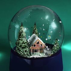 3D model: House Snow Globe Anim. $49.95 [buy, download]