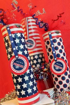 Fun, easy, and kid friendly Fourth of July Firework Favors from { lilluna.com }