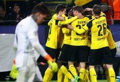 Borussia Dortmund venció a Benfica 4-0 con triplete de Aubameyang