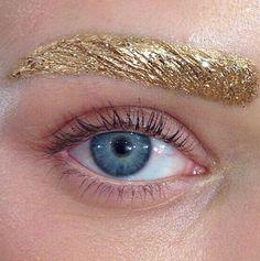 Glitter/Gold Eyebrow - Festive Make up looks, Gold glitter eye looks New Years Eve looks Makeup Trends, Makeup Inspo, Makeup Art, Makeup Inspiration, Makeup Tips, Hair Makeup, Color Inspiration, Makeup Ideas, Fashion Inspiration