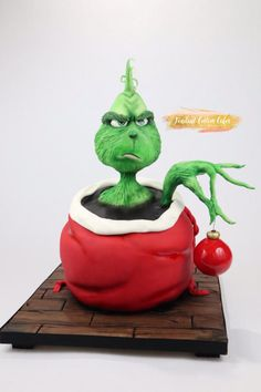 The Grinch Cake - cake by Fondant Custom Cakes By Tabi Lavigne Grinch Christmas Party, Christmas Cupcakes, Christmas Sweets, Christmas Baking, Christmas Birthday Cake, The Grinch, Grinch Cake, Holiday Cakes, Holiday Desserts