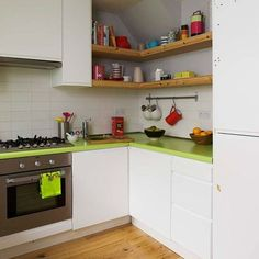 Casinha colorida: Pingando cores na casinha...