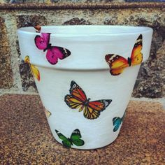 Flower Pot Art, Flower Pot Design, Flower Pot Crafts, Painted Clay Pots, Painted Flower Pots, Flower Planters, Clay Pot Projects, Clay Pot Crafts, Pottery Painting