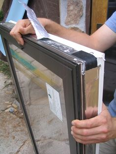 Tinted Multi-layered Tempered Glass Windows/Xenon Gas Filled.