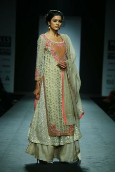 Wills India Fashion Week Autumn Winter 2014: Trousseau Inspiration