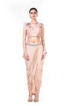 bbeb0691108 15 best indowestern dresses images   Indowestern gowns, Designer ...