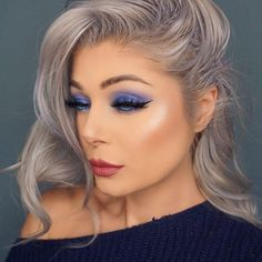 Hello blue smoky eye!  I did film this look, it will be up soon'isch. Used @ofracosmetics Bright Blue and @coastalscents Periwinkle with @nubounsom Bella Lashes. OFRA Fixline Eyeliner in Stairway to Heaven in my waterline. Brows are @anastasiabeverlyhills Brow Definer. Highlight is OFRA Blissful and lips are OFRA Tuscany. Love the new OFRA things, so good! All of them (and more!) can be found at @your_vanity #ofra #ofracosmetics #yourvanitysquad #coastalscents #nubounsom…