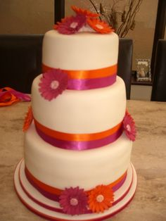 fuschia wedding cake pictures 1000 images about orange amp fuschia wedding inspirations 14627