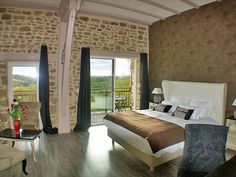 Guest room with stunning valley view at Les Instants Voles Guesthouse