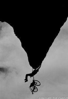 Wheelchair Rock climber Nick Morozoff hangs from a rock face in Sydney Australia. Mountain Climbing, Rock Climbing, Miguel Angel Garcia, Escalade, Mountaineering, Extreme Sports, Climbers, Disability, The Rock