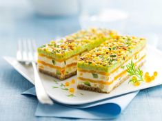 Salmon mille-feuille with fresh cheese: discover the cooking recipes of Femme Actuelle Le MAG - Dessert Recipes Easy Easter Desserts, Mini Dessert Recipes, Fancy Desserts, Cheesecake Recipes, Dessert Bars, Puff Pastry Desserts, Desserts Ostern, Queso Fresco, Food Cakes