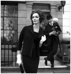 Lucinda Hollingsworth, London, photo by Georges Dambier, 1959. One of my favourite Georges Dambier photos.