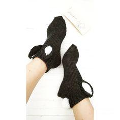 #pupusukat #bunnysocks #knitting #elengiina