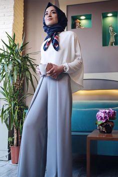 New Ideas Dress Hijab Short Islamic Fashion, Muslim Fashion, Modest Fashion, Fashion Outfits, Modest Wear, Modest Dresses, Modest Outfits, Hijab Elegante, Hijab Chic